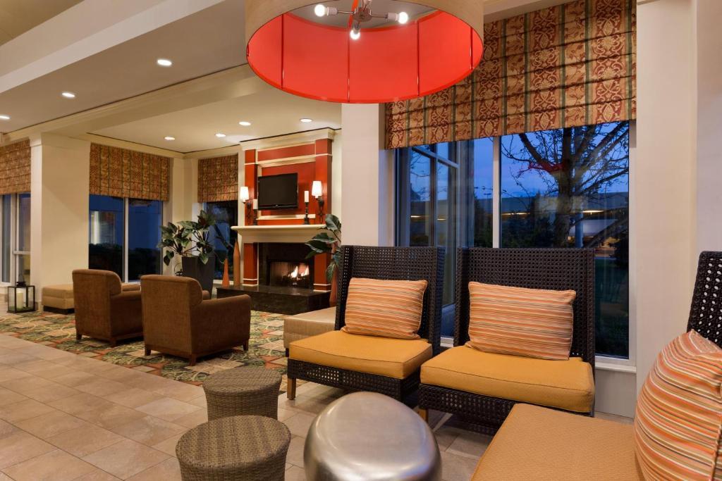 Hilton Garden Inn Oakbrook Terrace Wheaton Online Booking Viamichelin
