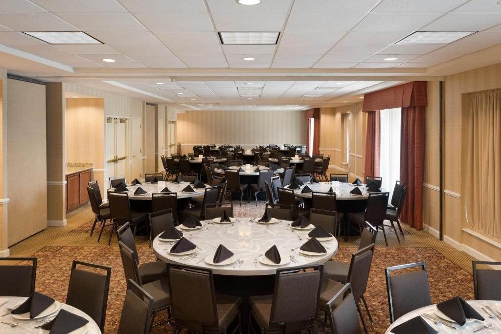 Hilton Garden Inn Oakbrook Terrace R Servation Gratuite Sur Viamichelin