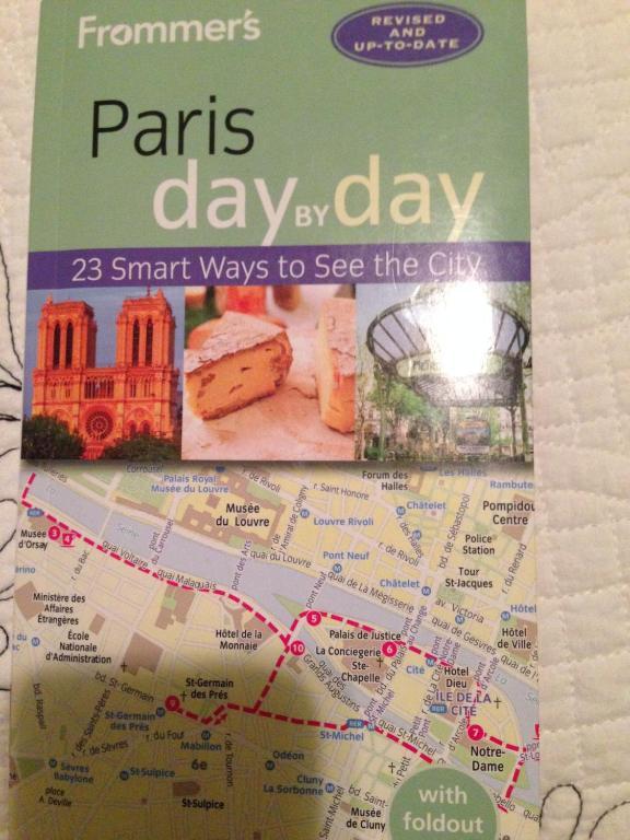Chambre d 39 h tes 52 clichy b b chambres d 39 h tes paris for Chambre d hotes paris