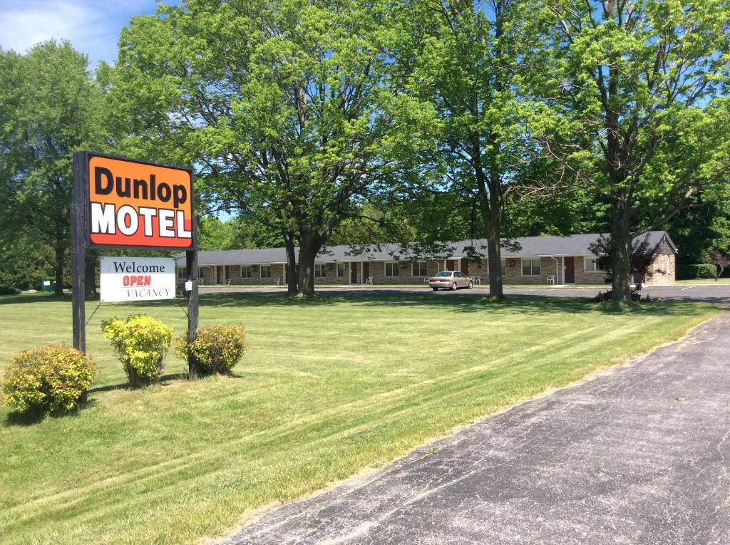 Dunlop Motel