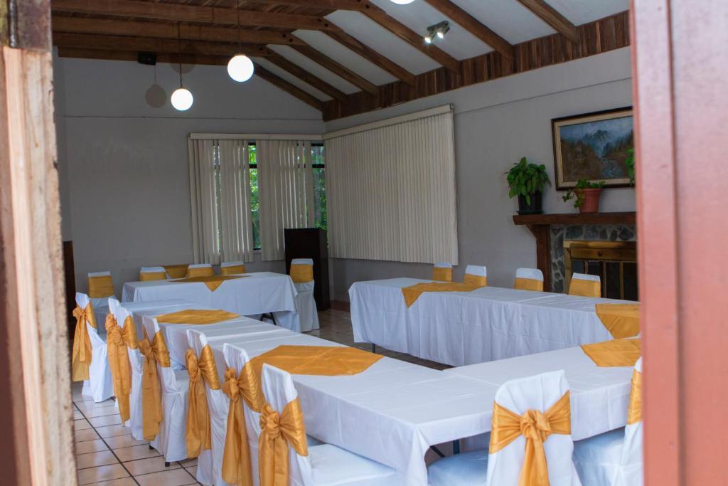 Villa zurqui patalillo reserva tu hotel con viamichelin for Villas zurqui