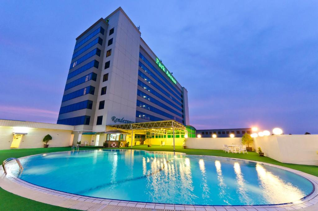 Park avenue hotel sungai petani r servation gratuite sur for Piscine 08000