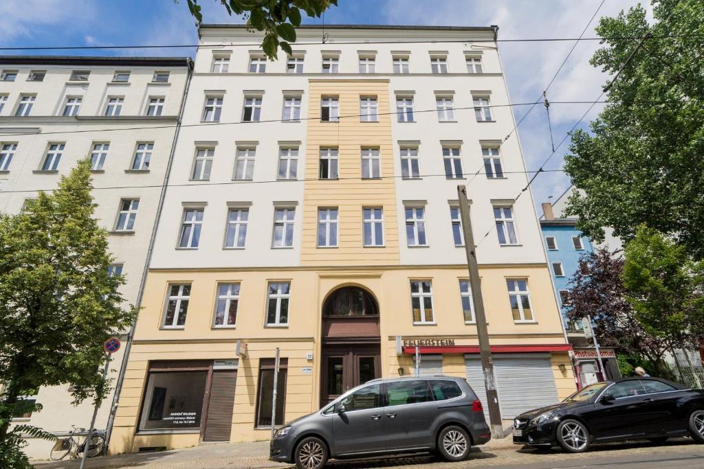 b apartments berlin online booking viamichelin. Black Bedroom Furniture Sets. Home Design Ideas