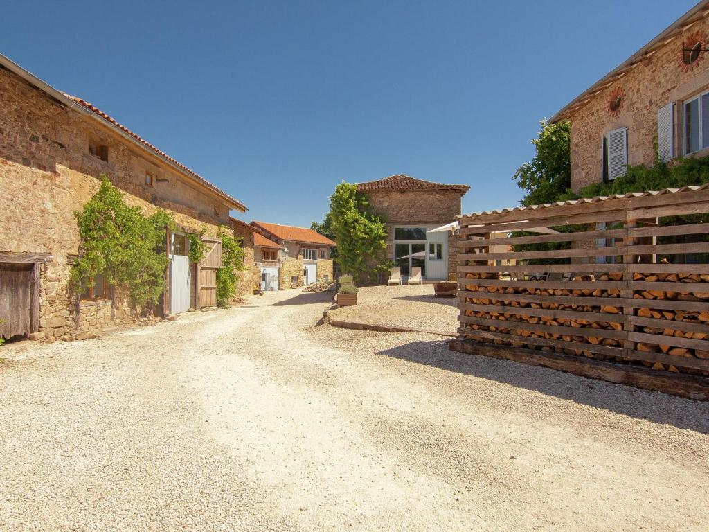 Holiday home la rose r servation gratuite sur viamichelin - Office de tourisme saint leonard de noblat ...