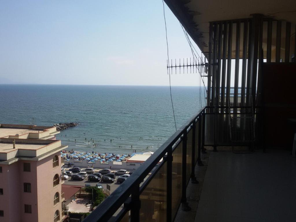 apartment casa fly lago patria italy