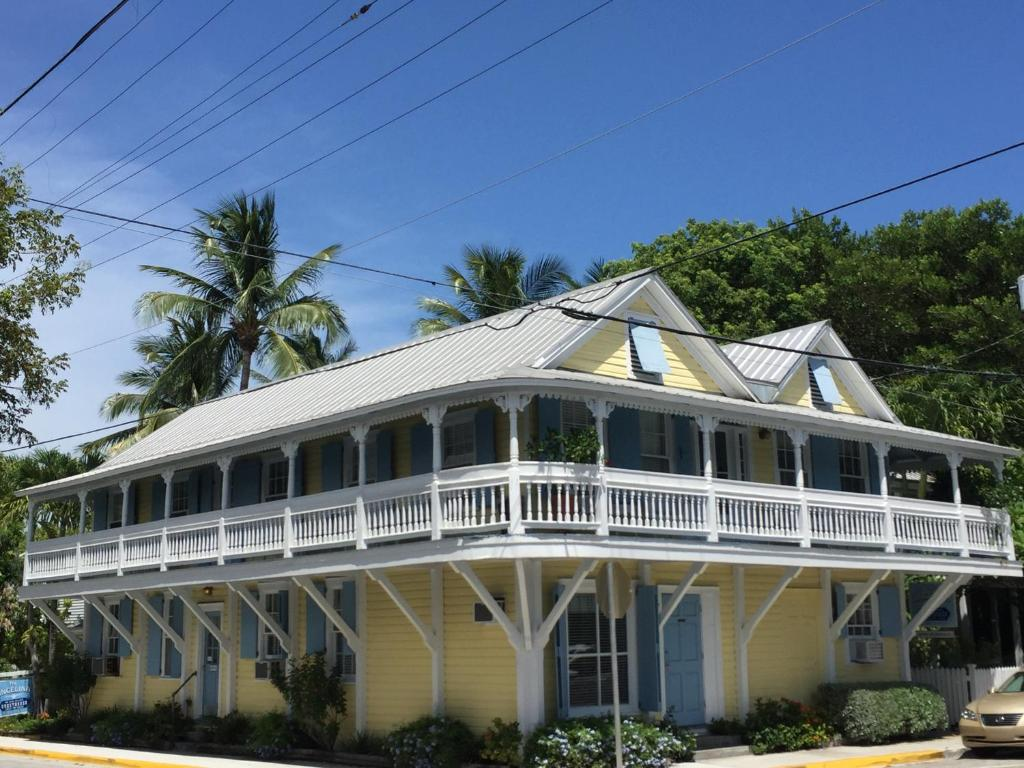 Angelina guesthouse adults only key west for Piani per la casa in stile key west