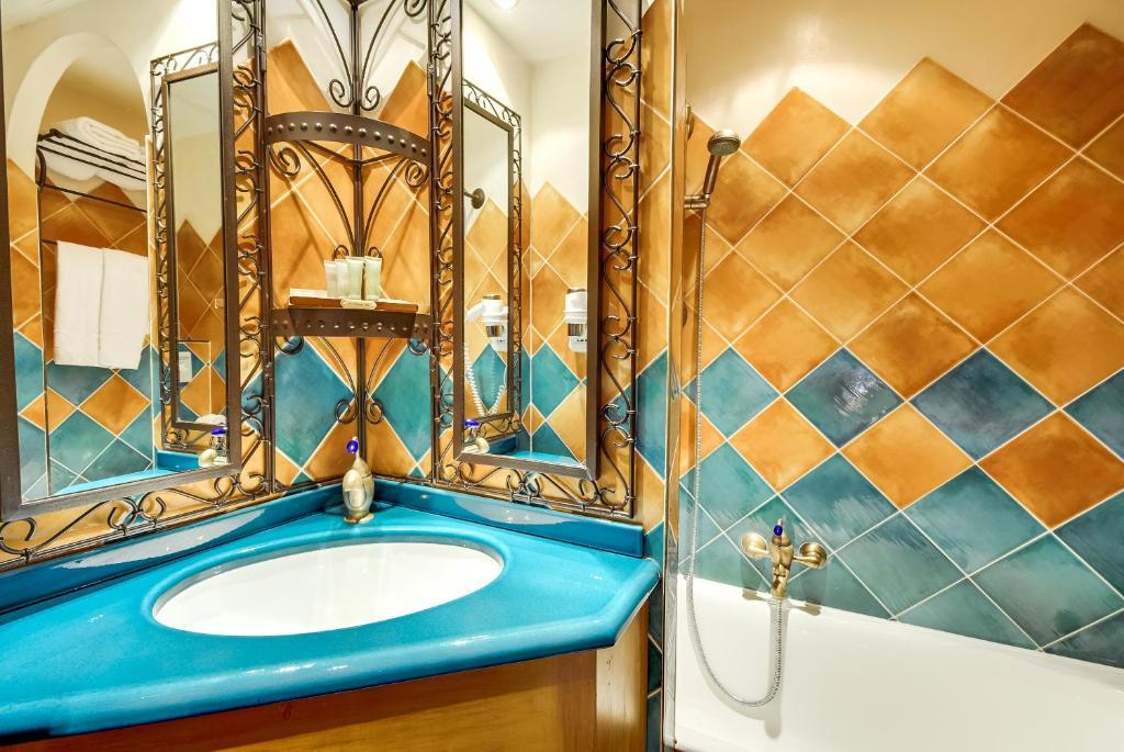 Villa royale montsouris montrouge reserva tu hotel con for Villa royale