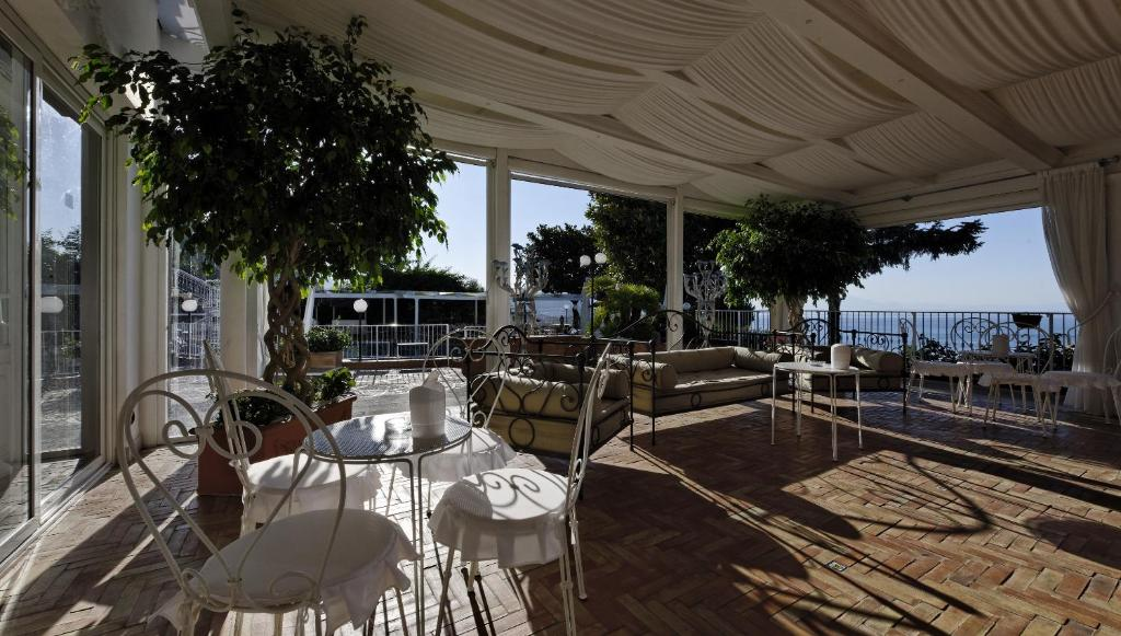 Villa poseidon boutique hotel salerno book your hotel - Maison de charme hotel boutique toscane bacchella ...