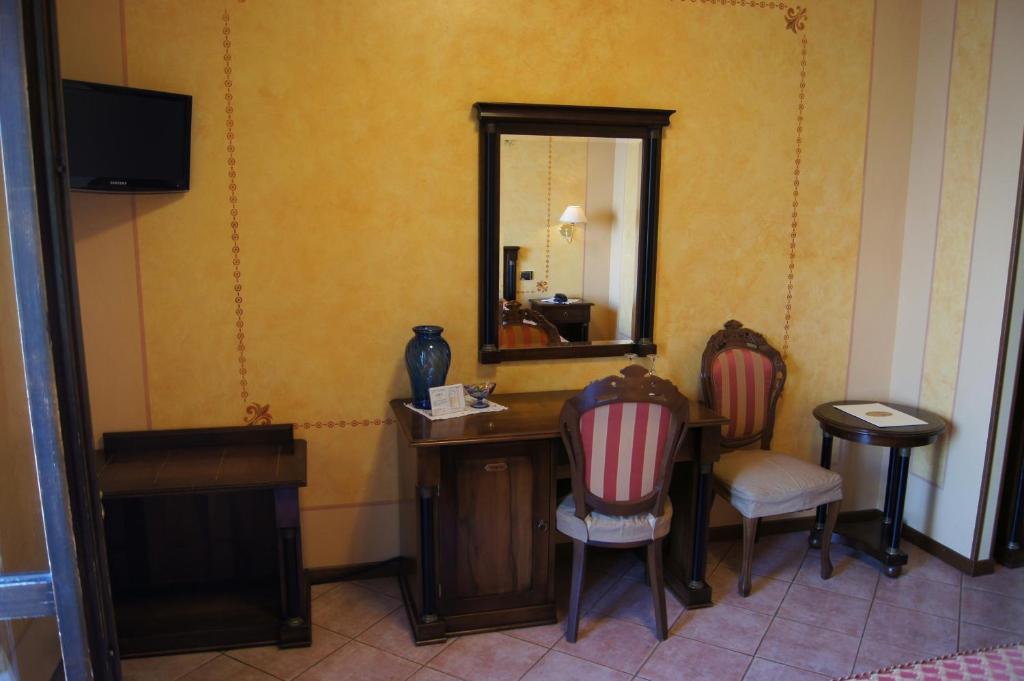 Hotel lugana parco al lago sirmione informationen und for Hotel meuble grifone sirmione