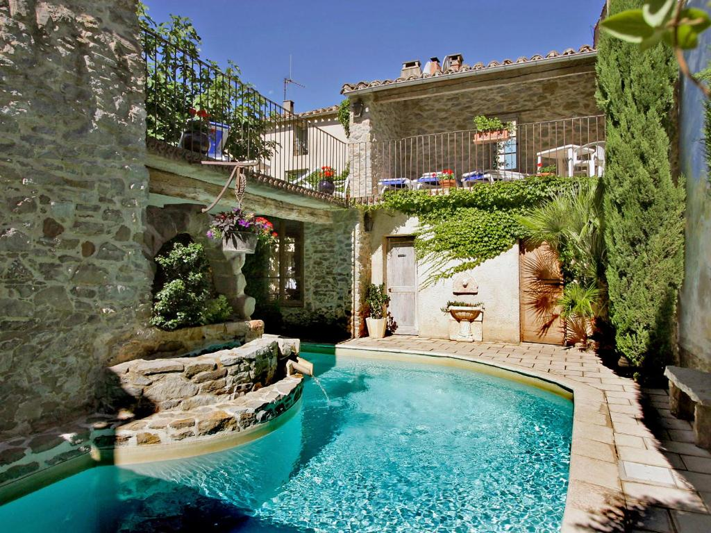 Casa toscane locations de vacances olonzac for Home piscine