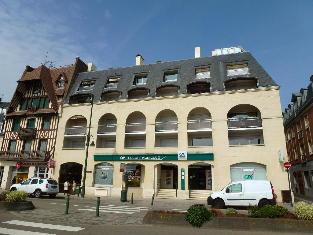 Wohnung port trouville wohnung in trouville sur mer in for Appart hotel trouville