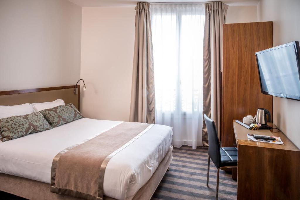 Art hotel eiffel paris online booking viamichelin for Seven hotel paris booking