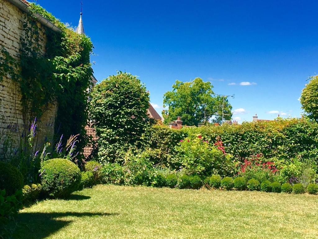Chambres d 39 h tes b b le jardin de carco chambres d 39 h tes - Chambre d hote chatillon sur chalaronne ...