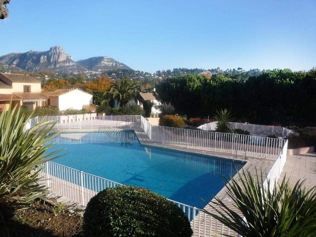Appartement holiday park le jardin de matisse locations for Appartements le jardin