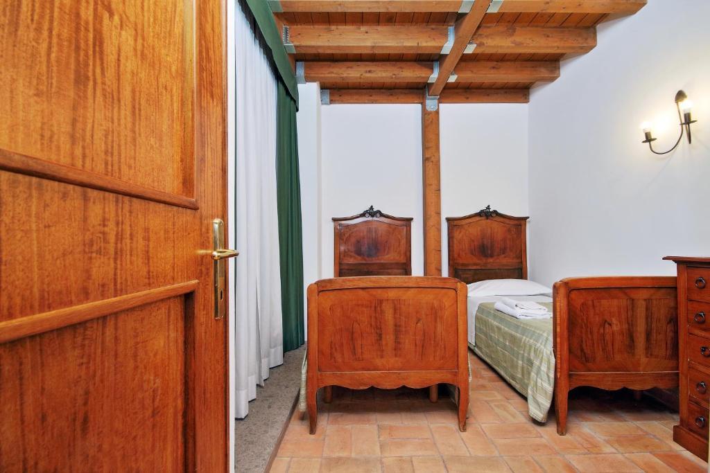 Casale Doria Pamphilj Rentals In Aranova Lazio Italy
