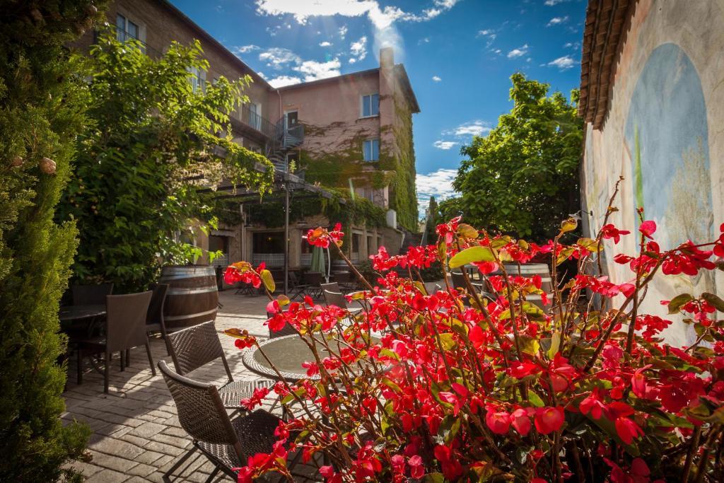 Hotel Restaurant Les Vignes Blanches Beaucaire