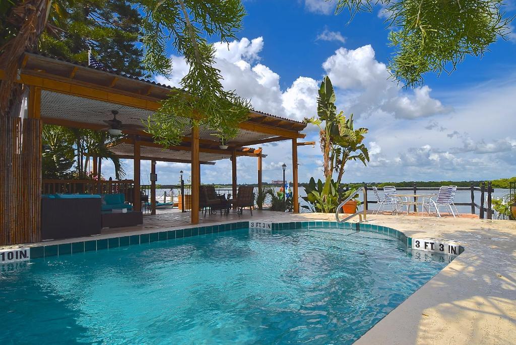turtle beach resort siesta key fl. Black Bedroom Furniture Sets. Home Design Ideas