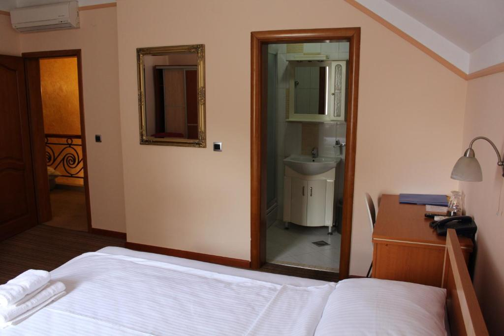 Motel Royal Tuzla Book Your Hotel With Viamichelin