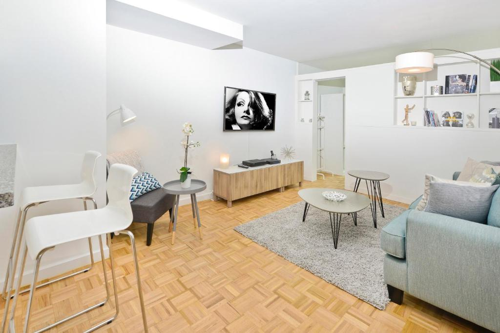 Apartment Two Bedroom Apt Lincoln Center, New York City ...