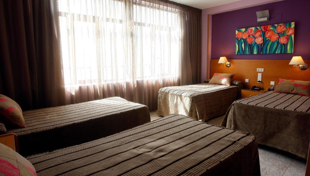 Hotel el guila utebo reserva tu hotel con viamichelin for Habitaciones familiares zaragoza