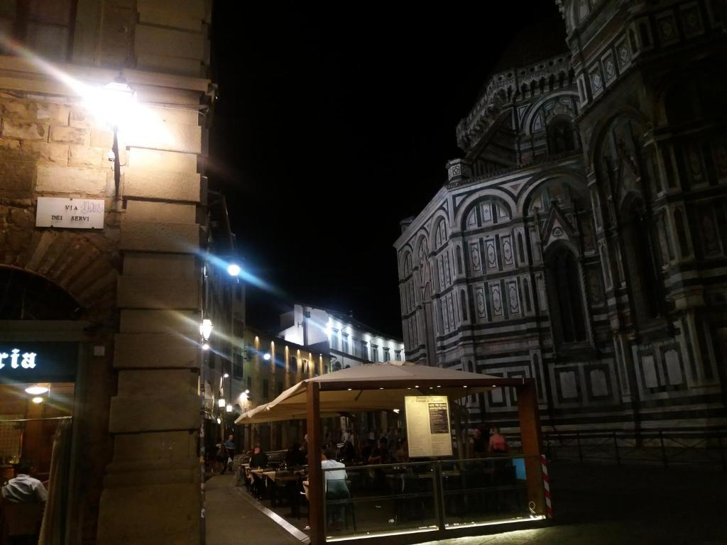 Apart hotel first of florence it lia floren a for Florence appart hotel