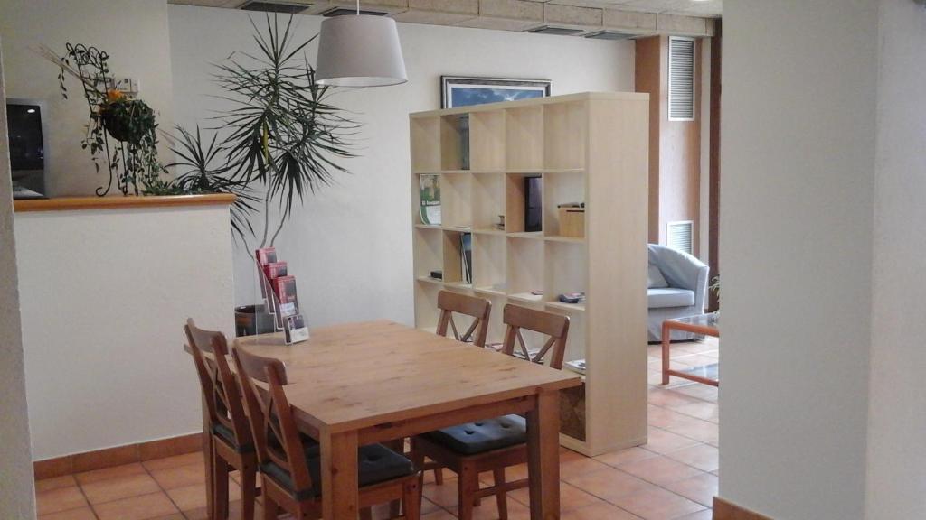 Font del pla hotel restaurant la jonquera for Restaurant la jonquera