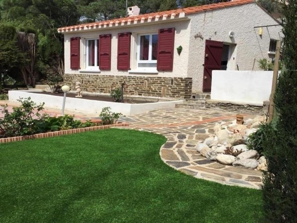 Rental apartment charmante maison avec jardin frankreich - Jardin maison contemporaine perpignan ...