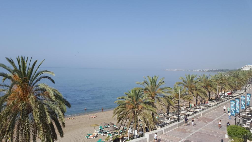 Top deals aparthotel puerto azul marbella spain - Aparthotel puerto azul marbella ...