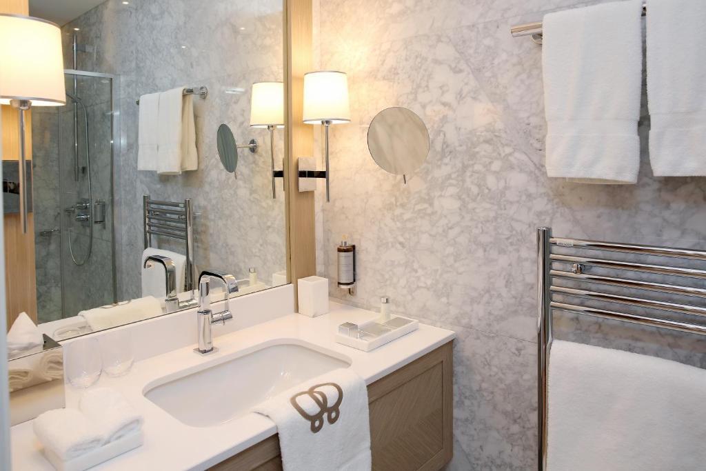 h tel alchimy albi reserva tu hotel con viamichelin. Black Bedroom Furniture Sets. Home Design Ideas