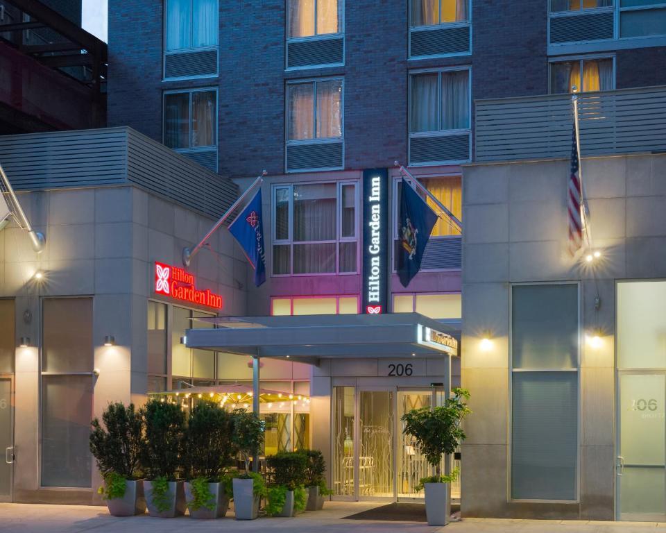 Restaurants Walking Distance From Hilton Garden Inn New York