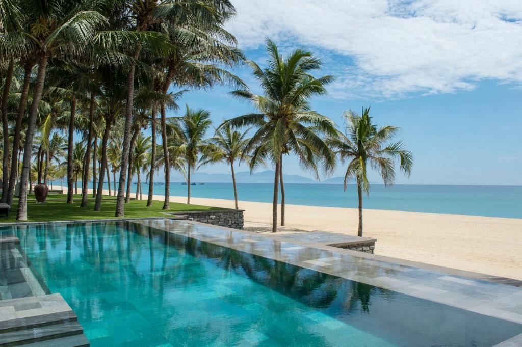 Biệt thự 3 Phòng ngủ có Hồ bơi nhìn ra Bãi biển