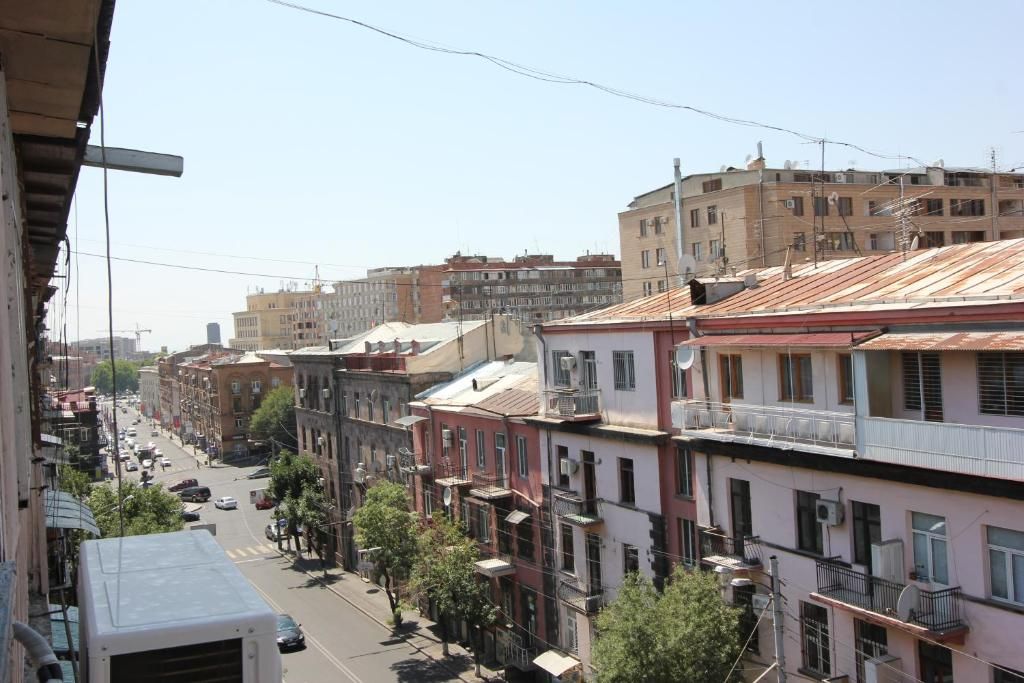 Suite apartament at nalbandyan r servation gratuite sur for Appart hotel yerevan