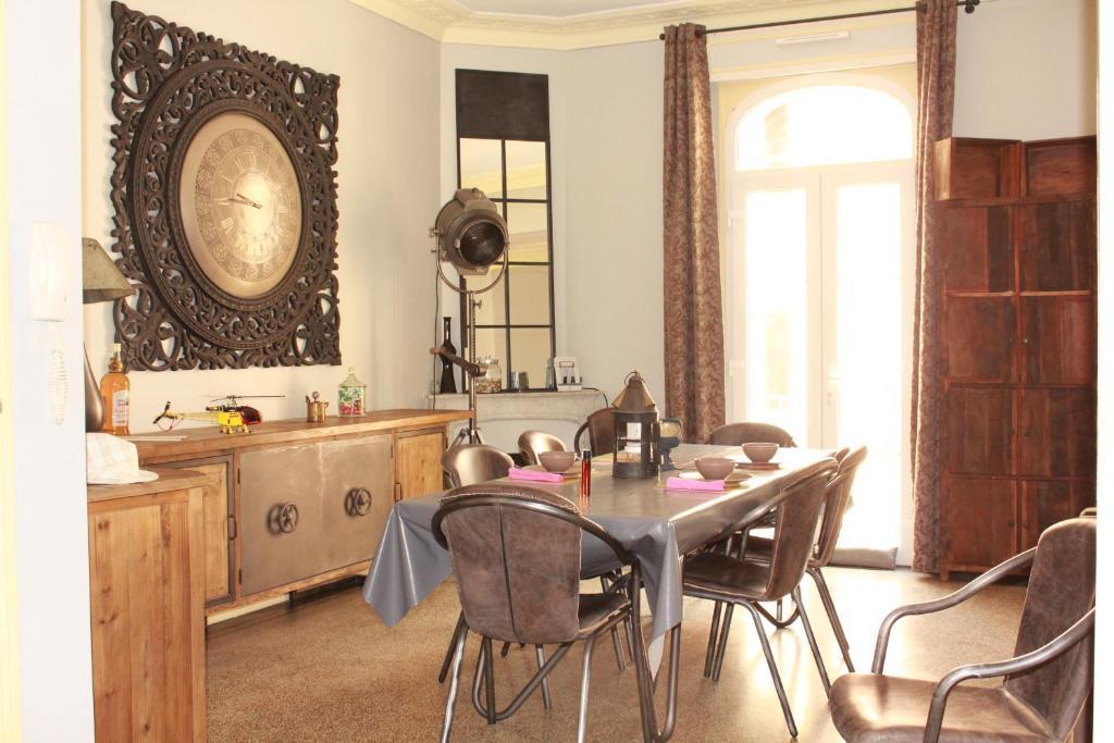 Appartement art deco locations de vacances cannes for Deco appartement gratuit