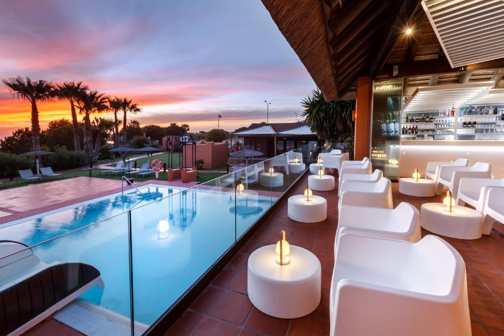 Aparthotel Novo Resort Novo Sancti Petri Spain Booking Com