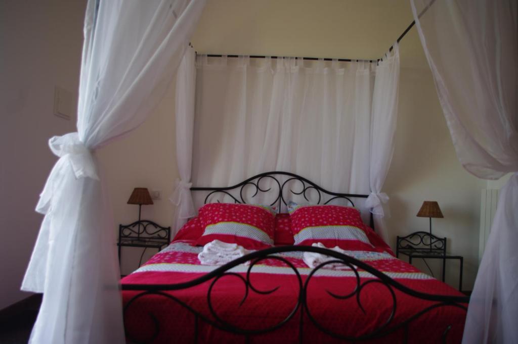 Chambre d 39 h tes domaine de la marziane chambres d 39 h tes - Chambres d hotes le buisson de cadouin ...