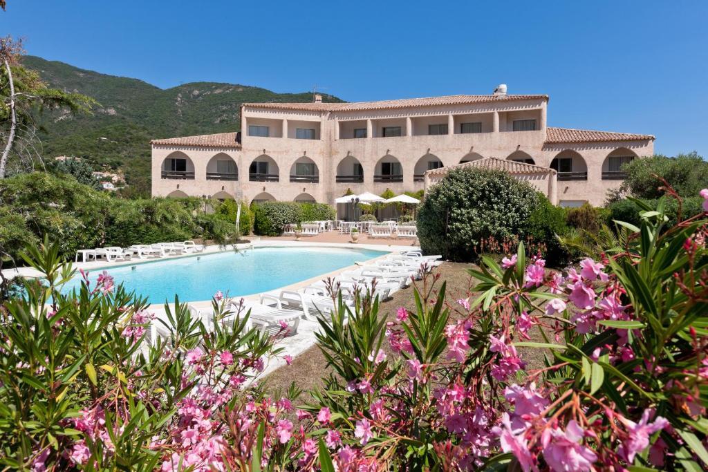Un village du Club Med visé par un attentat à Cargese en Corse du Sud