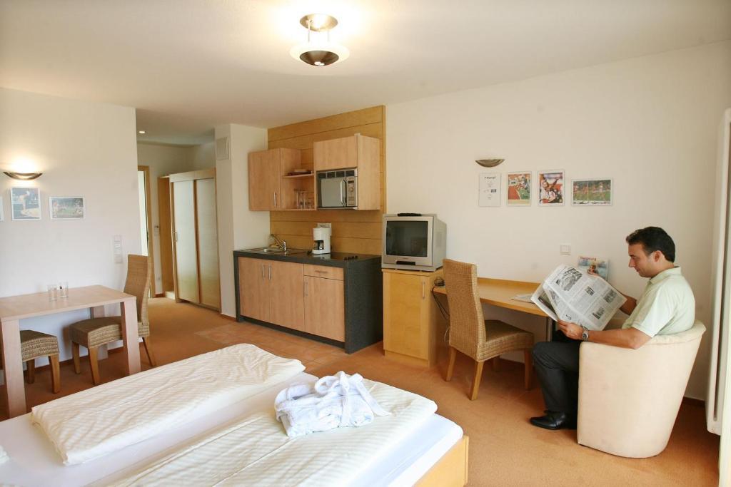 Hotel Am Solegarten - Bad D U00fcrrheim