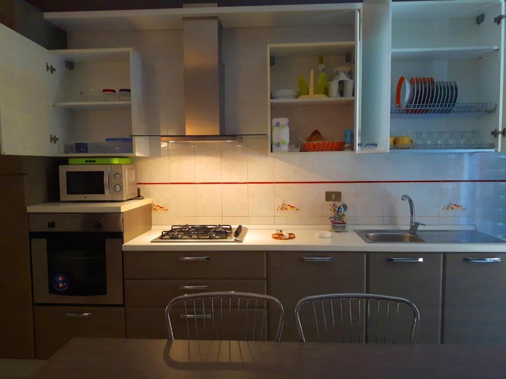Appartamento mastro toto 39 casas de vacaciones bolognetta for Mastro arredamenti palermo