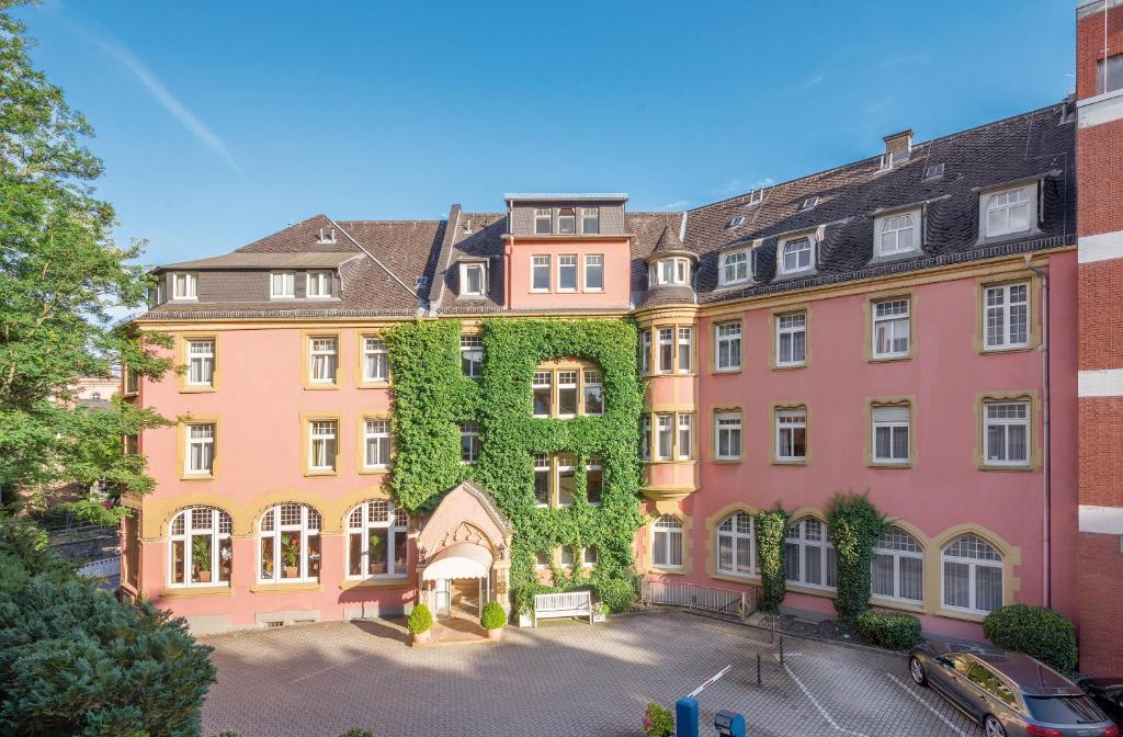 Hotel oranien wiesbaden wiesbaden informationen und for Designhotel wiesbaden