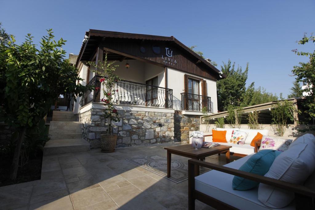 Uma varanda ou outra área externa em Livia Hotel Ephesus