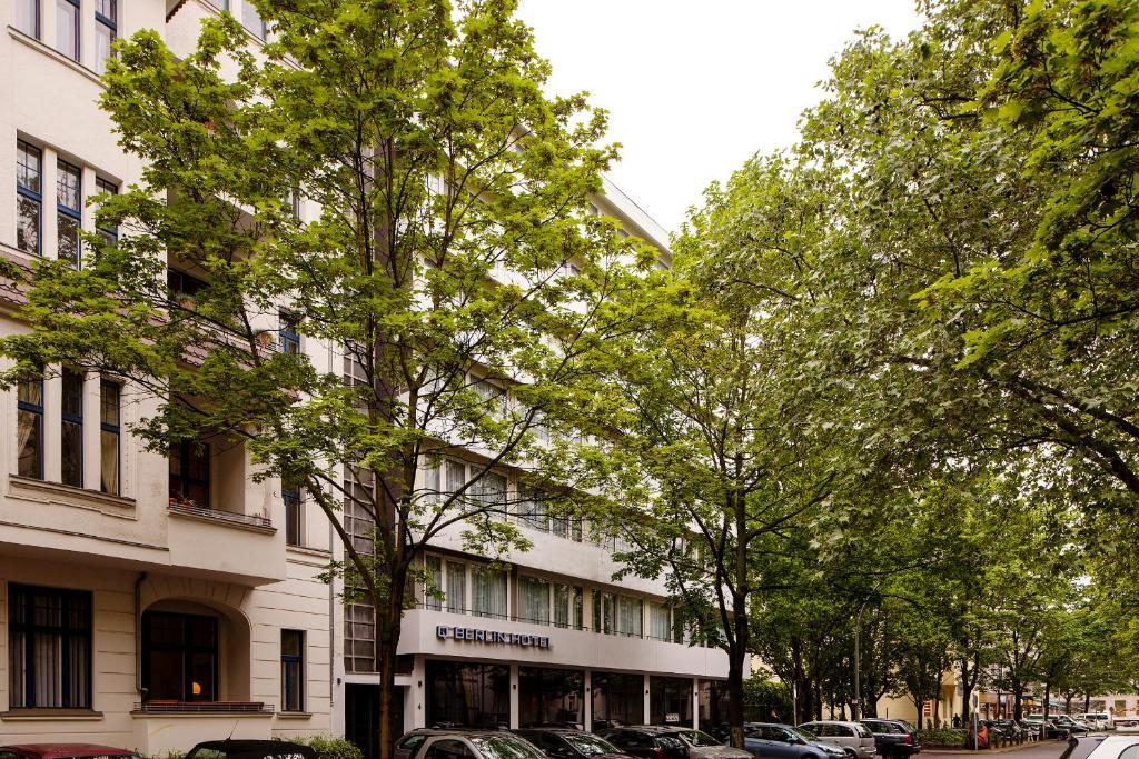 Quentin berlin hotel am kurf rstendamm berlin book for 4 design hotel q berlin