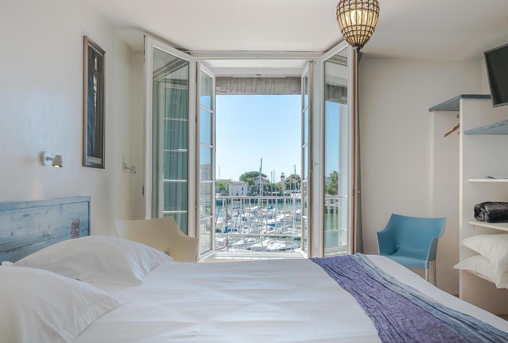 Hotel la marine r servation gratuite sur viamichelin for Hotels la rochelle