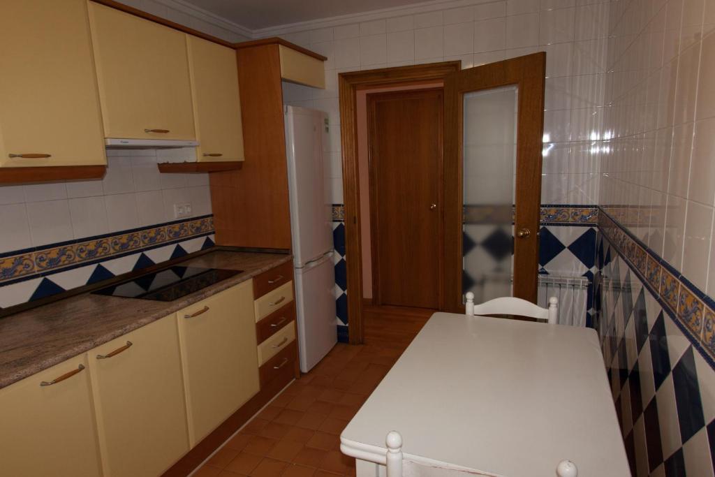 Apartamentos r o guadalaviar espa a albarrac n - Apartamentos en albarracin ...