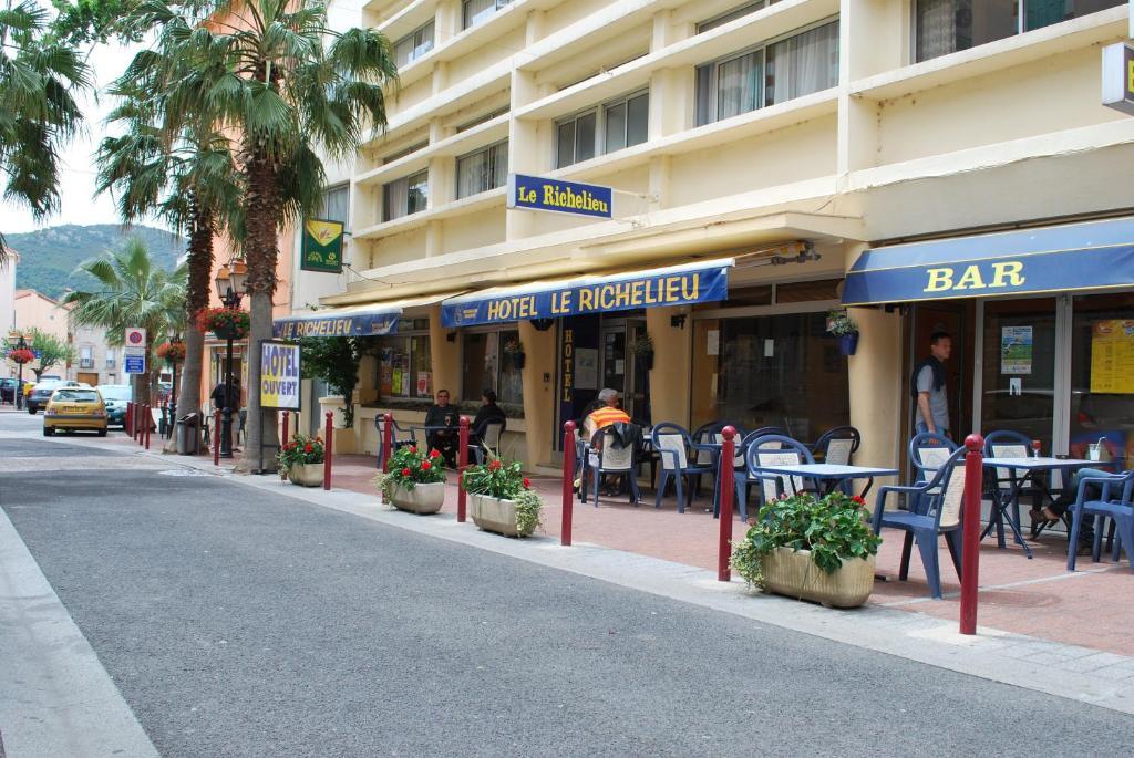 Hotel le richelieu le boulou - Office tourisme le boulou ...