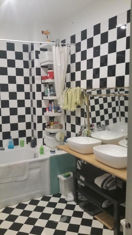 au coeur du centre ville chambre chez l 39 habitant bordeaux en gironde 33. Black Bedroom Furniture Sets. Home Design Ideas