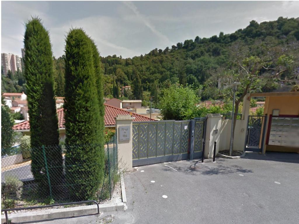 Appartement fleur de mai locations de vacances roquebrune for Azureva roquebrune cap martin piscine