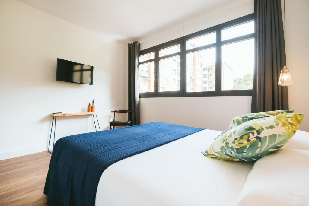 chambres d 39 h tes magatzem 128 chambres d 39 h tes barcelone. Black Bedroom Furniture Sets. Home Design Ideas