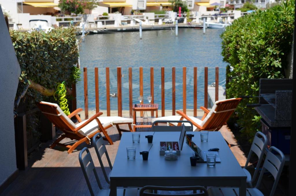 Marina hôtel privé luxe, Gîte Port Camargue