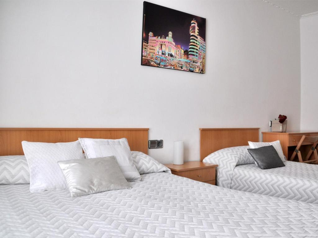 Chambres d 39 h tes hostal patria madrid chambres d 39 h tes for Chambre d hote espagne