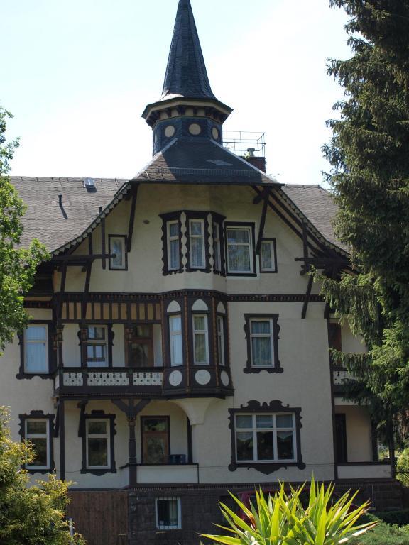 Amadeus Hotel Deutscher Hof Georgenthal